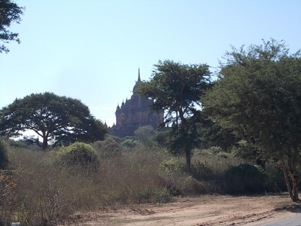 ティーロミィンロー寺院