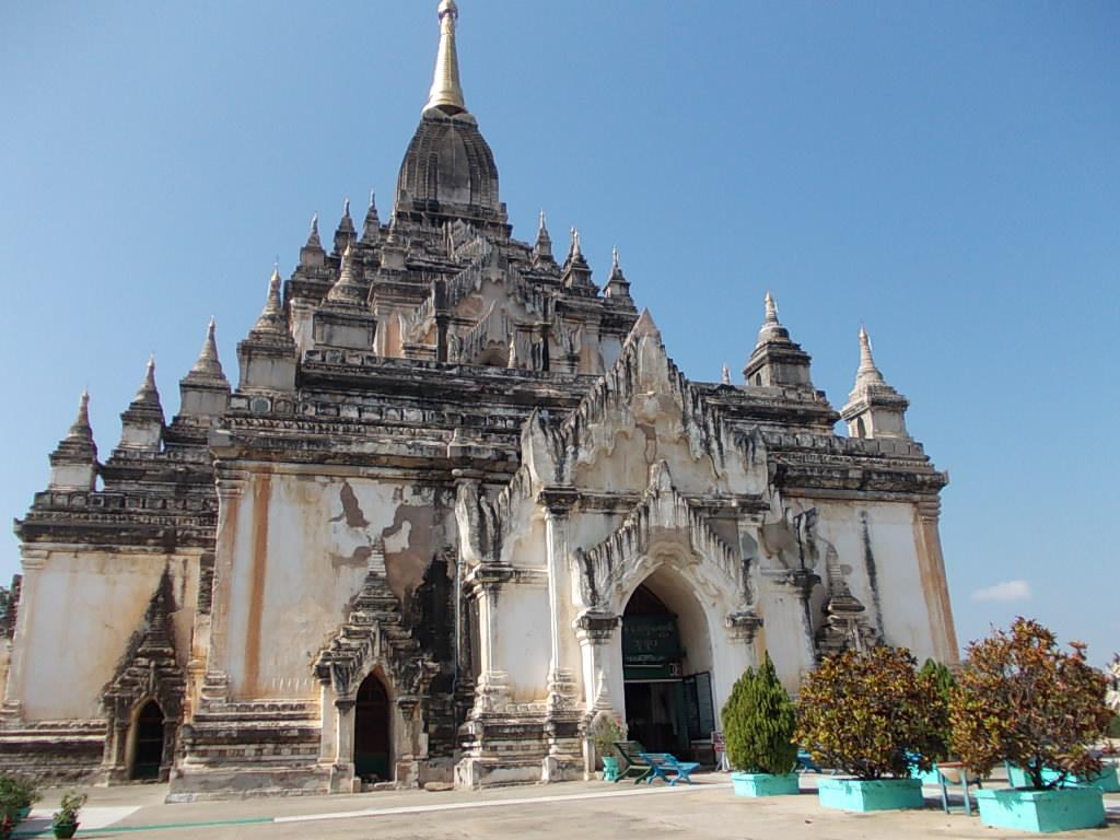 ゴドーパリィン寺院