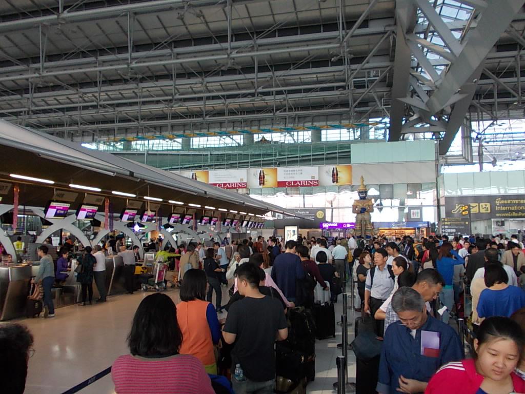 タイ航空の搭乗手続きカウンター