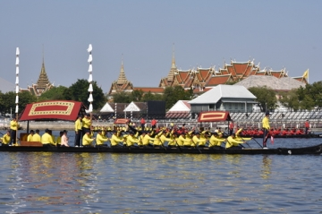 タイ国王即位を祝う御座船パレード(リハ)